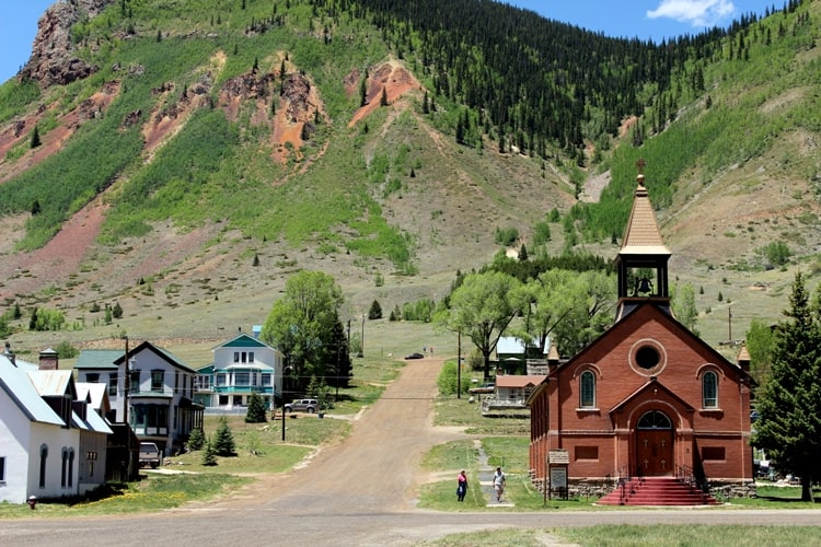 Church and houses in Silverton, Durango