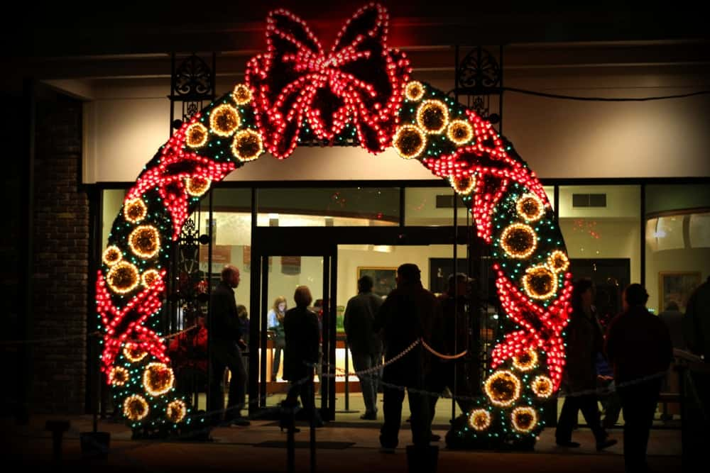 giant christmas light wreath