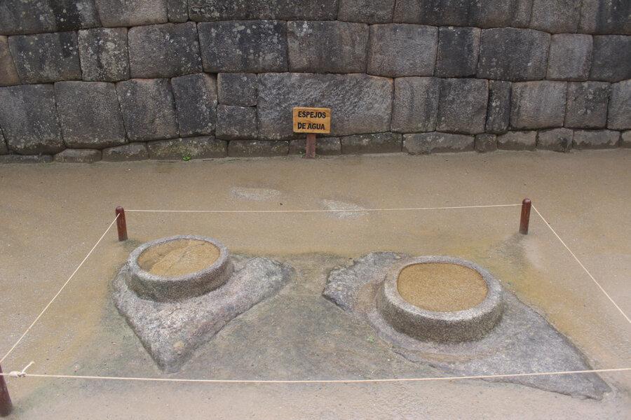 Water mirrors at Machu Picchu, Espejos de agua