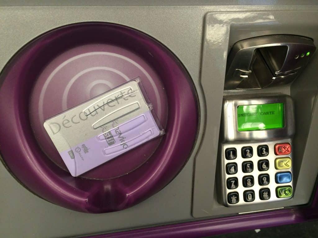 how to use the paris metro - navigo card reloading