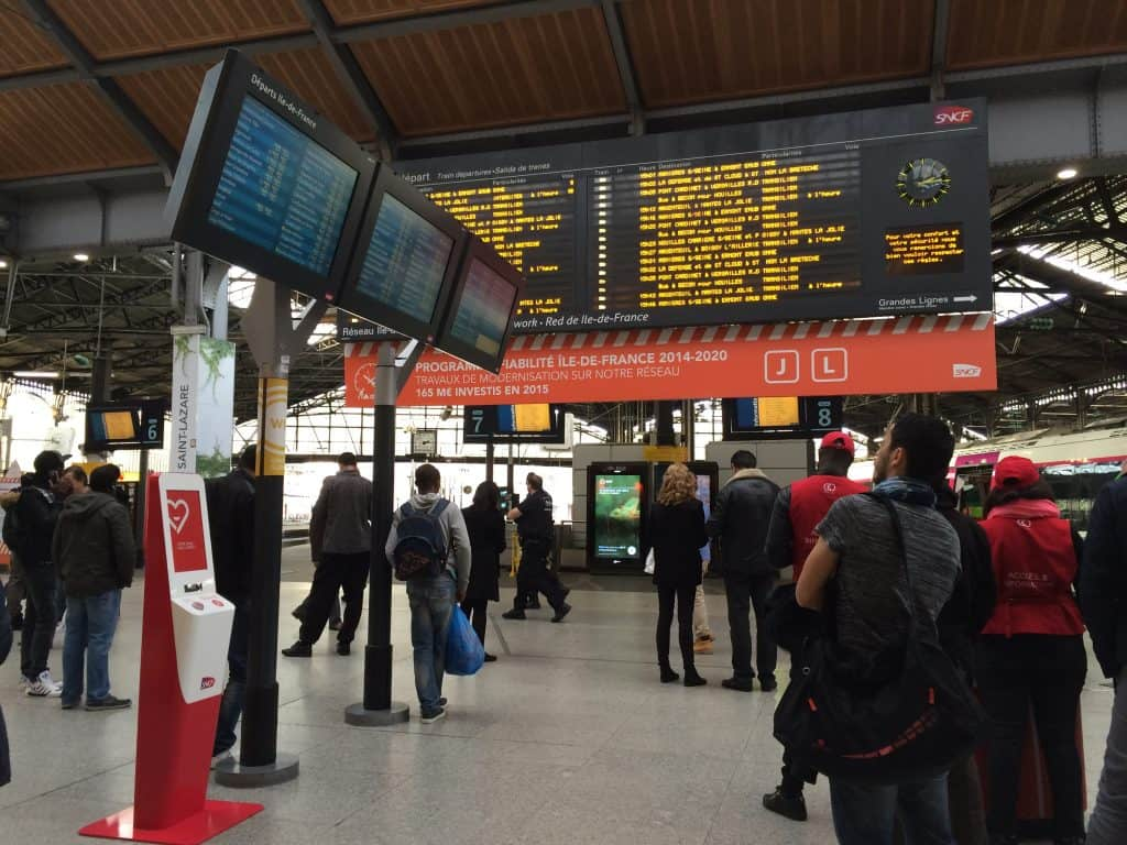 how to buy paris metro tickets - sncf train station