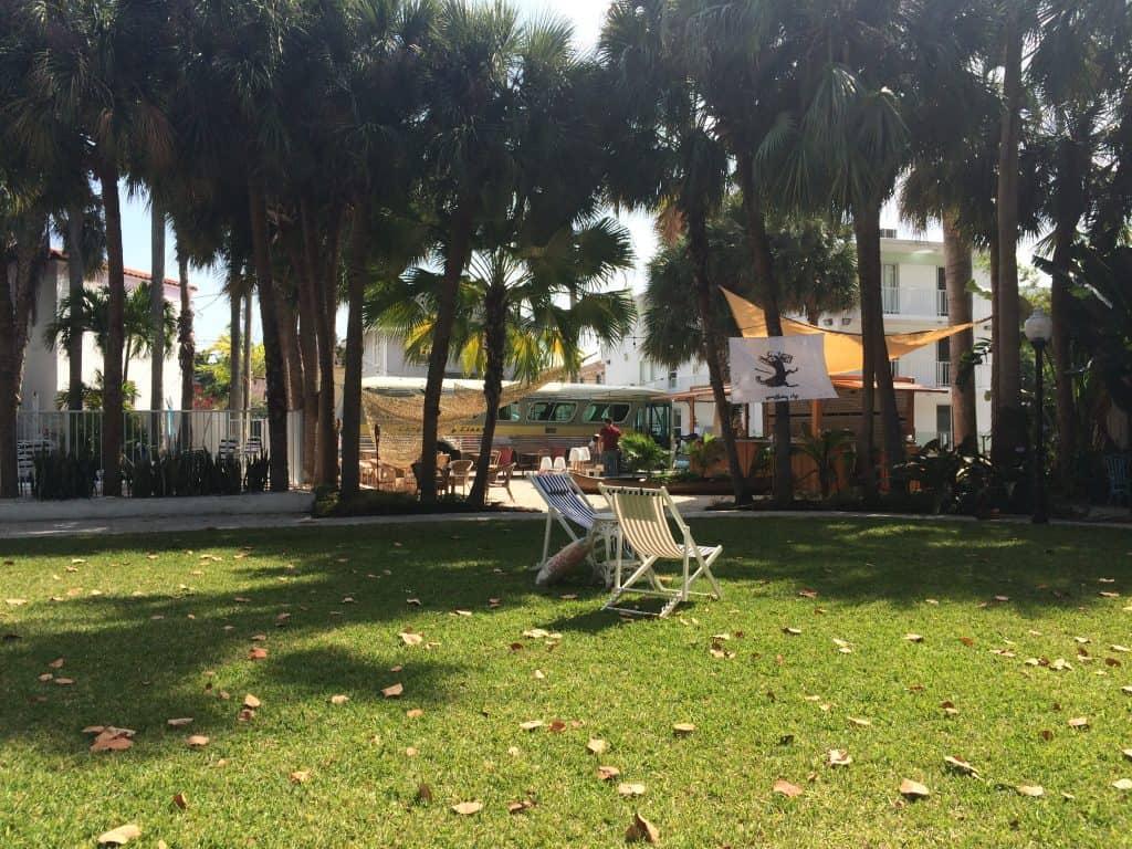 Roam Coliving Miami - Courtyard