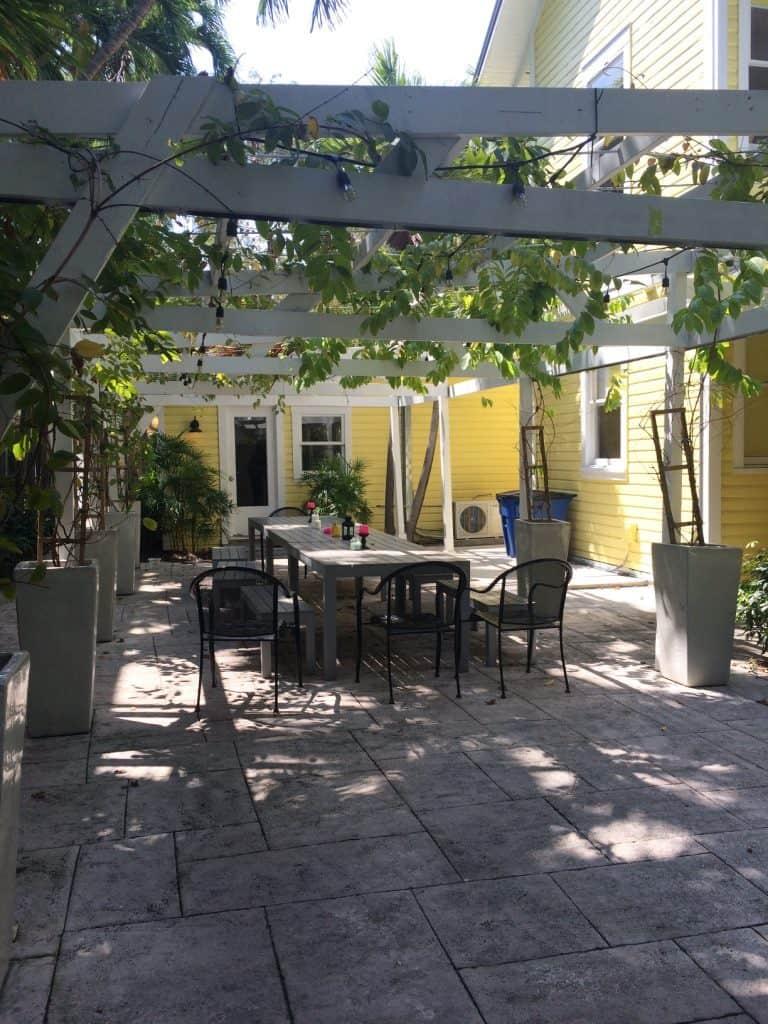 Roam Coliving Miami - Front Terrace