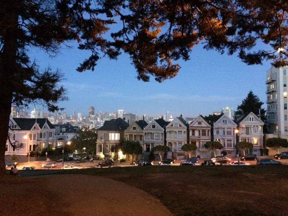 San Francisco Itinerary - Painted Ladies Alamo Square Park